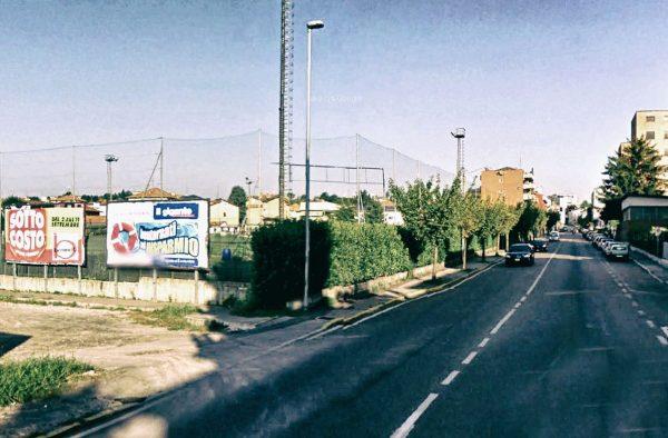 Cantù, via Milano (campo da calcio): 2 postazioni